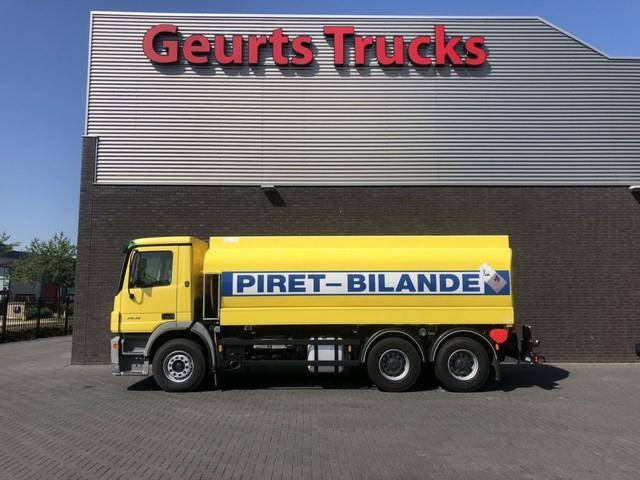 Mercedes-Benz 2632 6x4 fueltanker 18000 liters - 2004