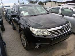 Subaru Forester with Sunroof n Roof rails KCM number 2010 model l