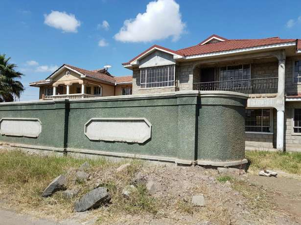 5bedroom mansionette all ensuite on a 1/4 an acre in syokimau.less than a kilometer from mombasa road Pangani - image 1