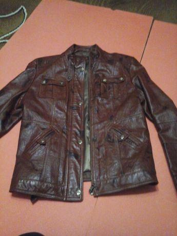 Шкіряна куртка  200 грн. - Жіночий одяг Хмельницький на Olx 98ff99ea42c92