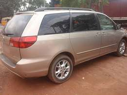 Toyota Sienna (2004) Tokunbo For Take Away Price!