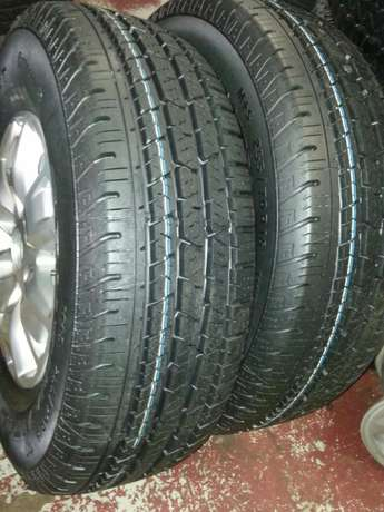 Ford Ranger mags 16 inch with tyres Continental 255/70R16C set of four Pretoria West - image 4