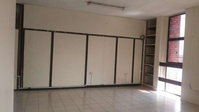 550 square feet of space to let in twiga towers Nairobi CBD - image 3