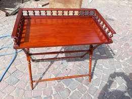 Mahogany Butlers tray with spindle legs.
