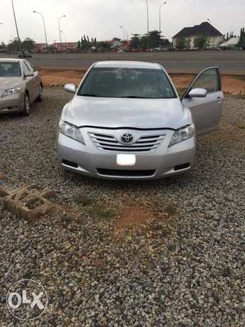 Super clean Toyota Camry muscle 08 model for sale Abuja - image 5