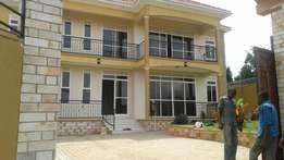 Kira. Posh mansion for sale at 654m