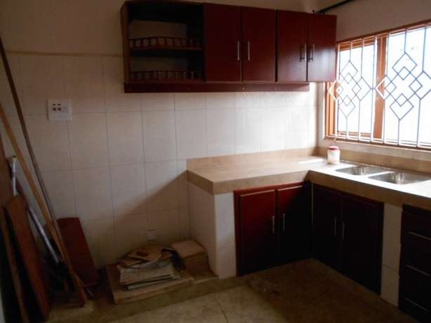 Wonderful 3 bedroom 2 baths house for rent in Kiira at 700k Wakiso - image 2
