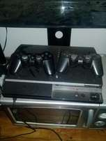 ps3 console +2 controller