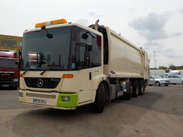 Mercedes-Benz ECONIC 3233 - 2019