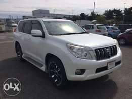 2010 Toyota landcruiser Prado with Sunroof and Leather