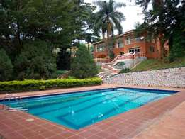 4 bedroom mansion for rent in Kololo at 4000$