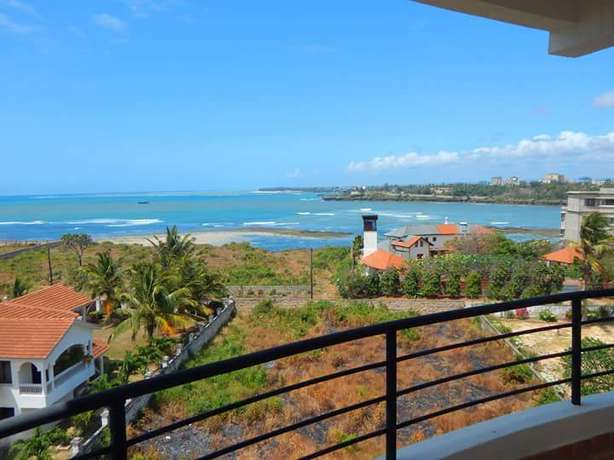 BREATHTAKING 3 bedroom Apartment with swimming pool Nyali - image 1