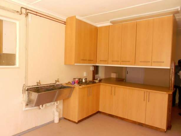 Neat & spacious rooms available in ideal Southernwood location Southernwood - image 5