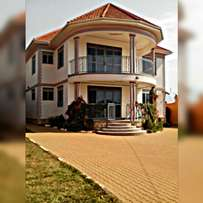 Flat on quick sale ZANA lubowa Entebbe rd