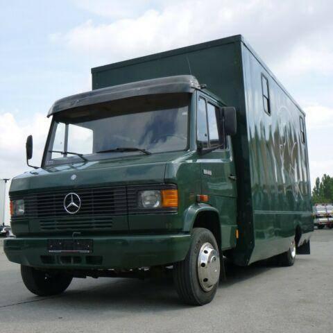 Mercedes-Benz 814 D 2 Pferdetransporter 7,49to SK Wohnabteil - 1990