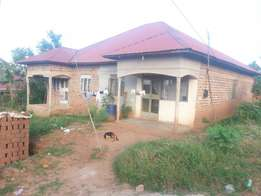 4bedrooms house seated on 12decimals located in Gayaza
