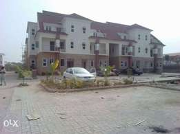 4bedroom wit bq for sale