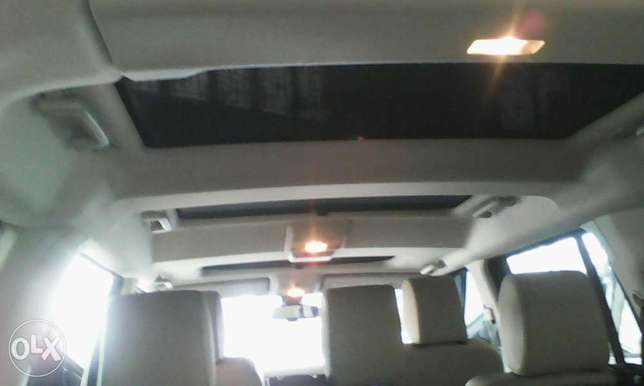 Range Rover Discovery 3.0 cc X UK loaded with triple sunroof Mombasa Island - image 5