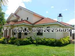 Mansionate 5 bedroom bungalow for sale in Katabi-Entebbe at 600m
