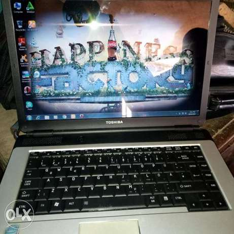 Clean Toshiba laptop for sell Oredo/Benin-City - image 2