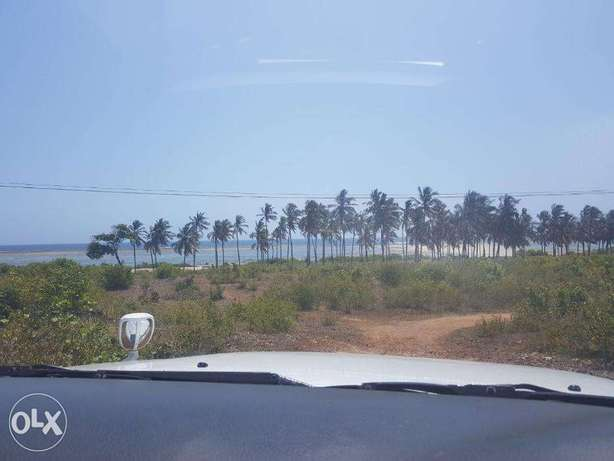 Kikambala-2.5acres,second row from the beach Mombasa Island - image 4