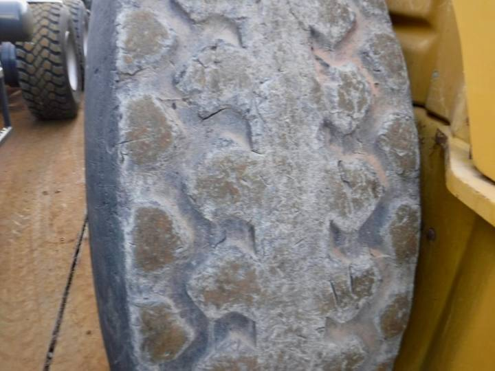 Caterpillar CS76 - 2012 - image 23