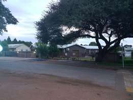 Spacious 4 bedroom 3 bathroom house with flat for sale in Kuruman
