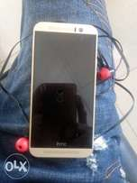 HTC m9, 4rm 32gb + charger and headphone