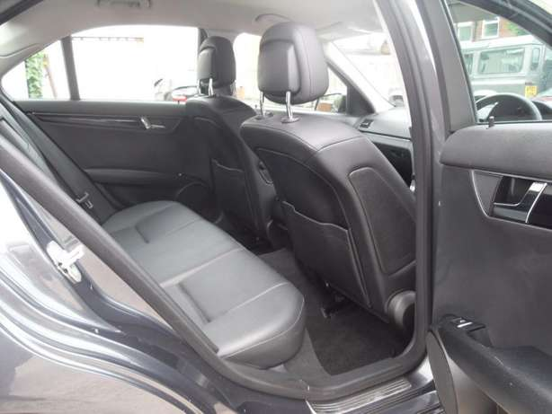 Mercedes Benz C200 CGI Blue Efficiency 2010 Nairobi CBD - image 7