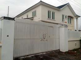 An exquisitely finished 5bedroom duplex with a BQ by Lokogoma express