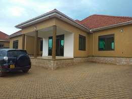 Near kiwatule house for sell at 456m