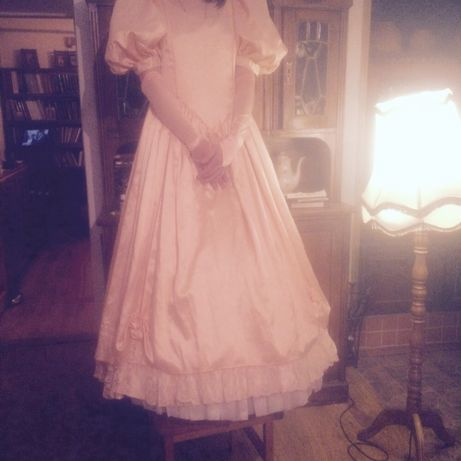 Платье бальное- свадебное  2 000 грн. - Весільні сукні Одеса на Olx 9422639f0c190