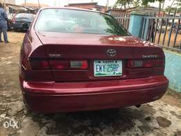 Neatly used first body 2000 Toyota Camry