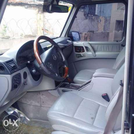 Extremely clean 2006 G63 G wagon Benin City - image 3
