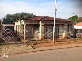Spacious 5 bedrooms for sale at Mofolo North Soweto