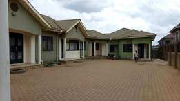 Executive new two bedroom house for rent in najjera at 500k