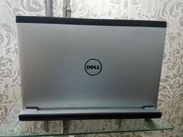 USA used dell vostro v13. ultra slim.intel core i3 with hyper thread