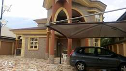 A Charming 4bedrooms in suite duplex, at De Limit road,Benin-City, Edo