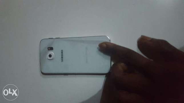 Samsung Galaxy S6 Edge (London USED and Still Looking New and fresh) Ikeja - image 2