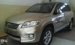 Toyota vanguard 7 seater beige /gold colour 34661km mileage