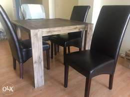Coricraft Boston Dining Table Square / 4 Hartford Dining Chairs