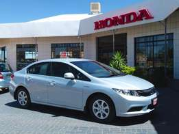 2014 Honda Civic 1.6i V-TEC Comfort Sedan R174 900
