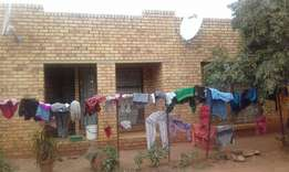 House for sale in Winnie Mandela for cadh only.