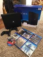 great brandnew PS4 PRO (1TB) - 2 controllers & games