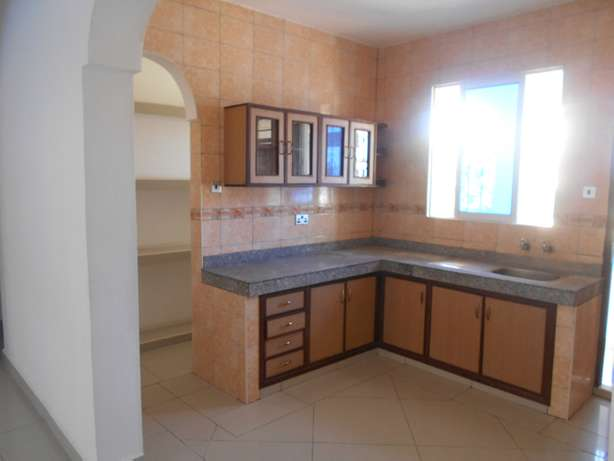 A beautiful 3 bed roomed apartment in Nyali Ganjoni - image 2