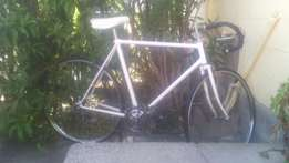 "White razir bike 27"" R350"