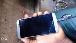 HTC One M9 3gb ram 32gb rom it has small screen crack