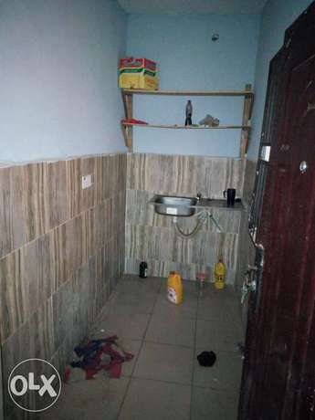 Room and parlour self contain to let at aule road Akure South - image 3