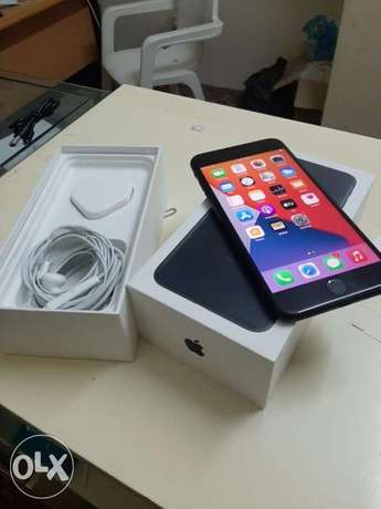 iPhone 7 Plus 128gb with box and all accessories original with warrant