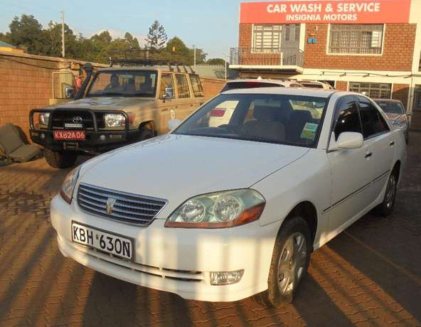 toyota mark 2 clean with extreem neat interior accident free ride Karen - image 2